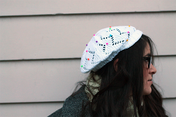 DIY Mini pom pom sprinkled hat | Squirrelly Minds