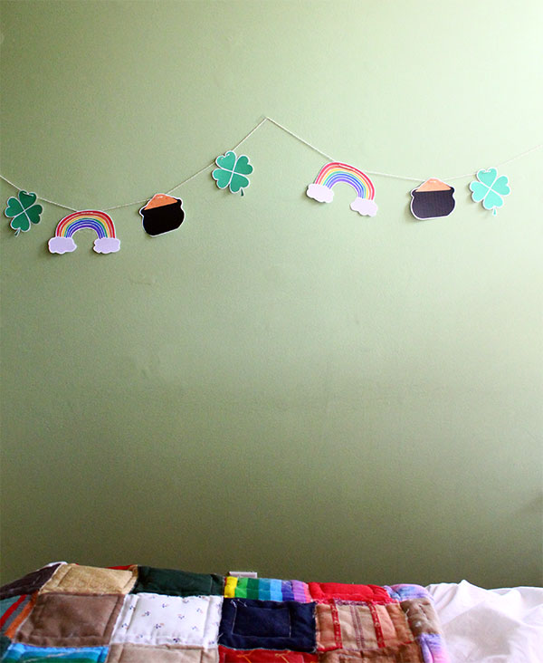 Free Printable St Patty's Day Garland from Squirrelly Minds