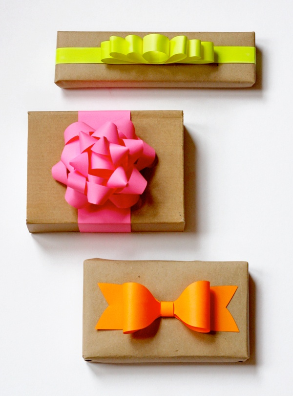 Pinned Via April Edition on Squirrelly Minds | DIY Paper Bows from How About Orange