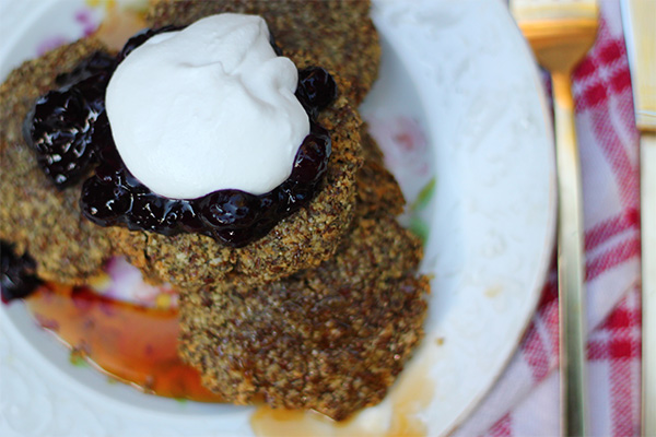 Hearty Gluten & Sugar Free Pancakes on Squirrelly Minds