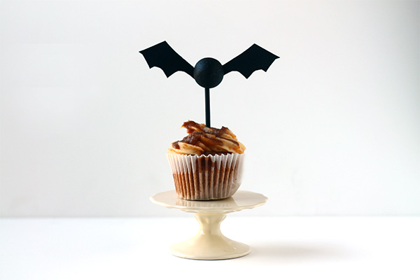DIY Batty Cupcake Toppers from Squirrelly Minds
