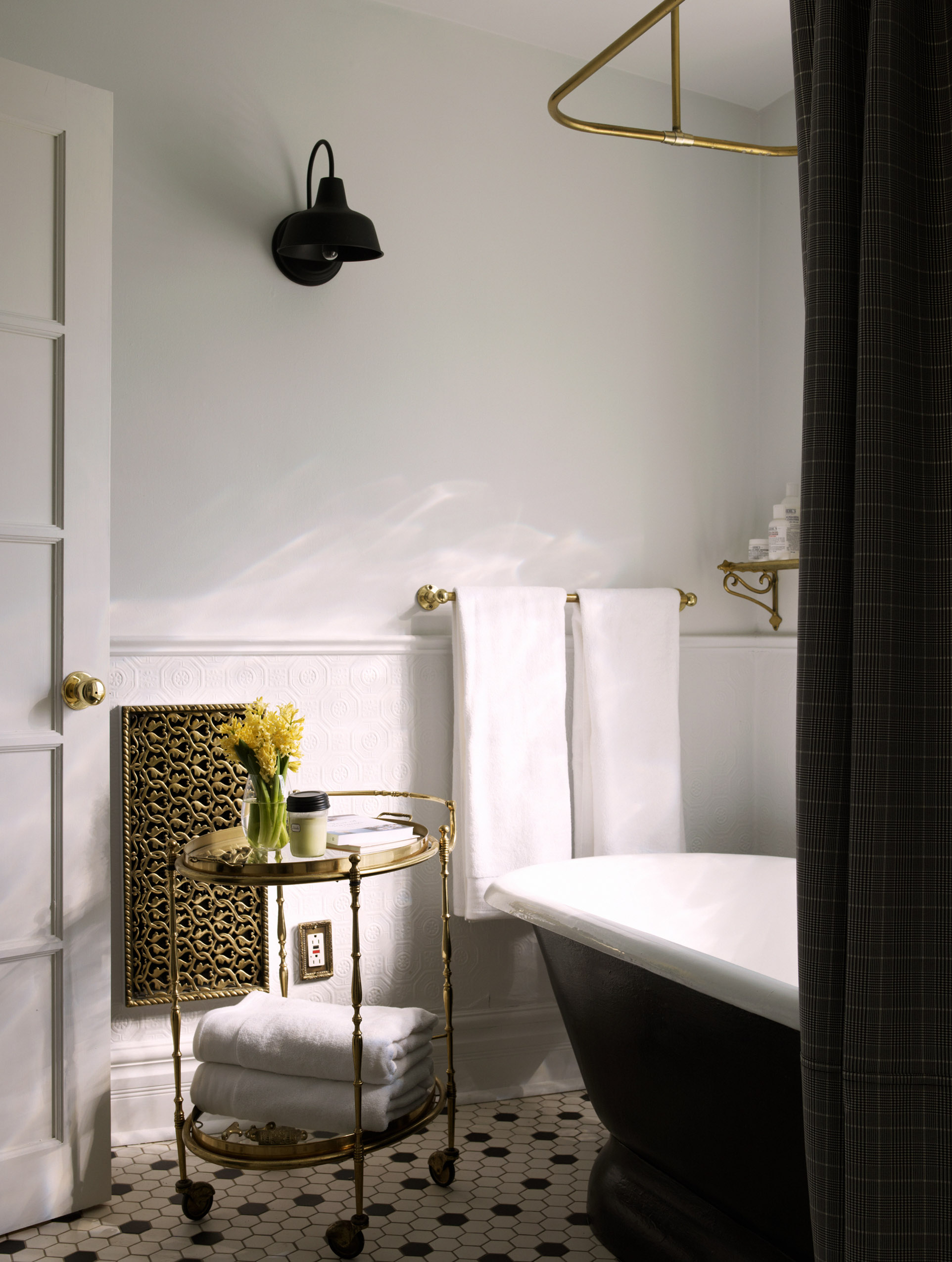Beautiful Bathrooms Shopping Guide - Photo by Per Kristiansen | Squirrelly Minds