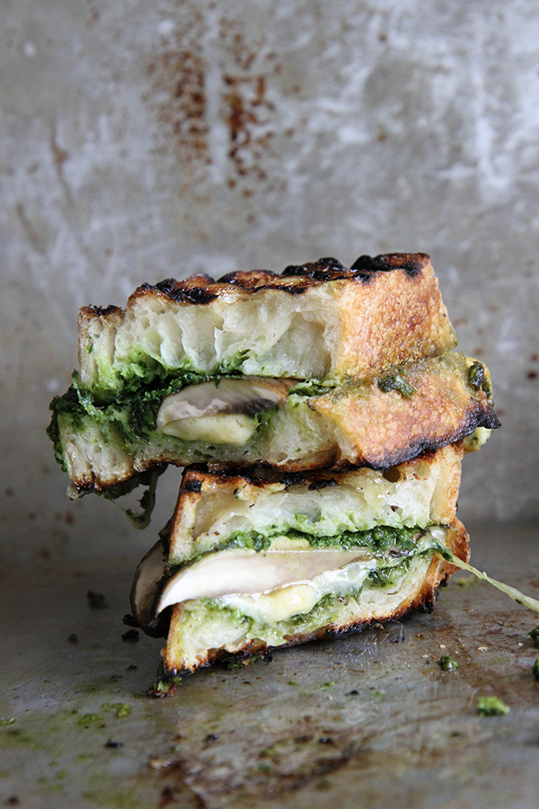 #pinmakeeat 9 | Squirrelly Minds - Portabello Gouda and Kale Pesto Grilled Cheese from Heather Christo