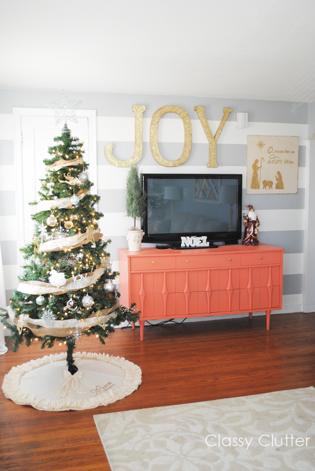 Top 10 Natural Glam Christmas Trees - Classy Clutter | Squirrelly Minds