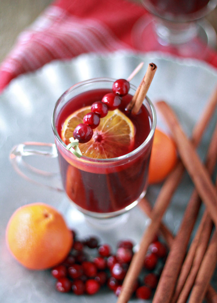 Mulled Wine Recipes - Photo by Kitchen Treaty | Squirrelly Minds
